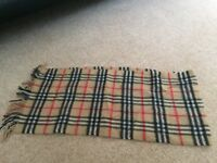 Burberry scarf in classic burberry check
