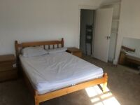 DOUBLE ROOM EN SUITE IN HOUSE SHARE NR TRIANGLE