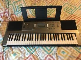 Yamaha keyboard psr E353