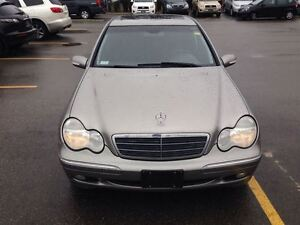2004 Mercedes-Benz C240 4MATIC SPORTY VERY SMOOTH !!!!!!!!! London Ontario image 8