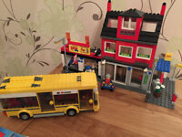 7641 Lego City Pizza Shop, Bus Stop, Bus and Skate Board Shop