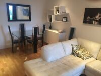 A Amazing Two Bedroom Flat In Imperial Wharf
