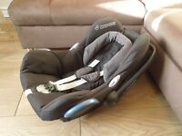 Maxi Cosi car seat with extra / can be sold with Bugaboo adapter