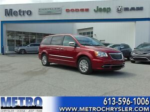 2015 Chrysler Town & Country Touring-L fully loaded