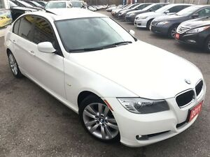 2011 BMW 3 Series 323i/AUTOAIR/LEATHER/ROOF/ALLOYS/CLEAN CAR PRO