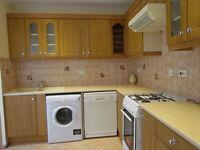 Double room to rent near Sevan Sister tub station ** LESS DEPOSIT REQUIERD