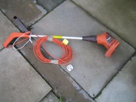 FLYMO ELECTRIC STRIMMER/ LAWN EDGER FOR SALE