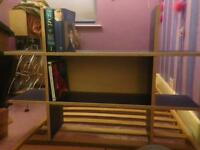 Shelves / bookshelf