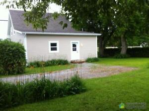 154 990$ - Maison à un étage et demi à vendre à Upton