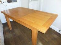 Beautiful Solid light Oak Dining table