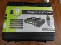 NEW Yellowstone Portable Gas Stove and two gas canisters
