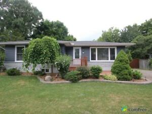 $589,900 - Bungalow for sale in Grimsby