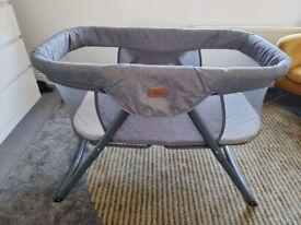 Baby Elegance Kangu Foldable Bedside Sleeper – Grey. USED Great Condit