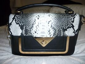 BLACK AND WHITE HAND/SHOULDER BAG - NEW, WITH TAG