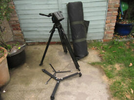 Mantroto professional video tripod and Pro G head - pan - damp etc
