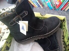 Black ladies Fly hoots size 7 brand new