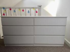White set of drawers