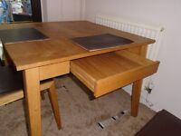 LOVELY LITTLE SQUARE OAK TABLE & 2 MATCHING CHAIRS FOR SALE.