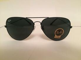 Ray Ban Aviator Sunglasses RB3025 (black frame/dark grey lens)