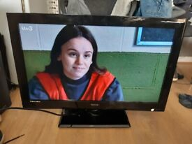 Excellent 32 TECHNIKA LCD TV hd ready freeview inbuilt