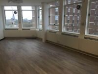 4 desks available now for £310.00