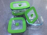 A set of small Pyrex dishes
