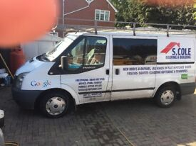 Good clean van for sale dives well no falts full roofing rack cums with the van tow bar
