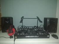 Professional DJ set - Denon MC3000 + American Audio HP550 + M-AUDIO AV 40 + Gorilla laptop stands