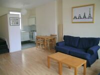 *A SPACIOUS 4 BEDROOM HOUSE IN TOOTING*PRIVATE GARDEN*FURNISHED*NEAR TUBE STATIONS*RESIDENTIAL ROAD*