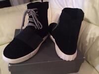 Adidas yeezy size 8 UK men black trainers