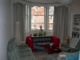 Room in huge Marchmont flat 10 mins from university.