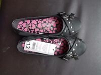 Girls size 2 black shoes