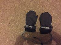 Children's waterproof warm black gloves