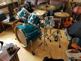 Mapex M Birch series 6 piece drum kit w/cymbals