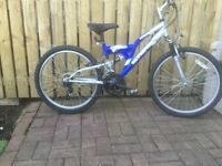 MOUNTAIN BIKE FOR SALE. SMALLER SIZE.