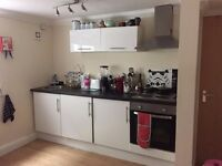 Studio Flat £490 INCLUDING BILLS from 1st June, Richmond Road Cardiff