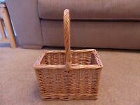 Bottle basket BNWT