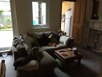 Lovely double room to rent in a well kept family Home near Blackheath Village