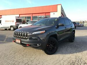 2016 Jeep Cherokee TRAILHAWK**PANORAMIC SUNROOF**8.4 TOUCHSCREEN