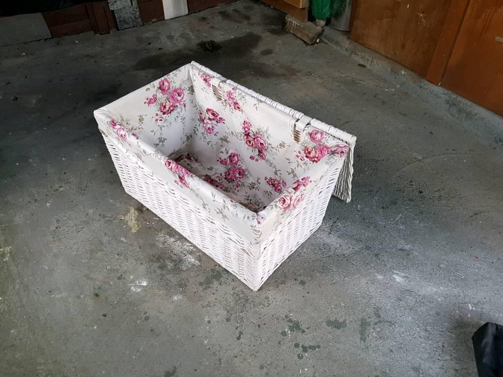 Linen wicker box