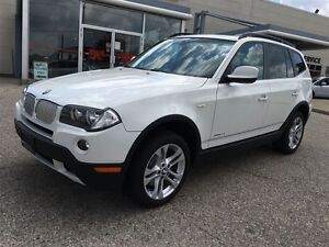 2010 BMW X3 3.0i AWD No accidents Pano roof Rare executive whi Kitchener / Waterloo Kitchener Area image 5