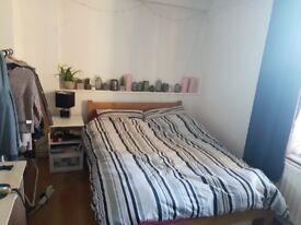 Double bedroom in a 2 bedroom flat