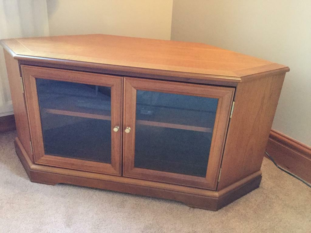 Lovely Corner Tv And Cd Player Unit With Etched Glass Doors
