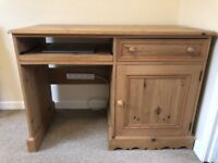 SOLID COUNTRY PINE P.C DESK IN GOOD USED CONDITION SOME SIGNS OF USE FREE LOCAL DELIVERY AVAILABLE