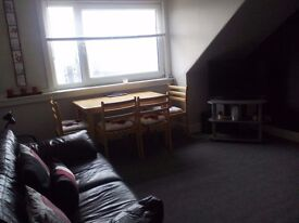 Spacious 1 bedroom furnished flat to rent , Kirn , dunoon