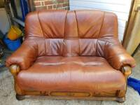 2 and 3 seater brown leather settee excellent condition reduced
