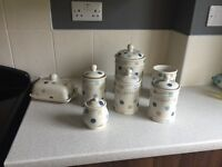 Full kitchen ware set for sale