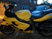 Triumph TT600 2000 Yellow