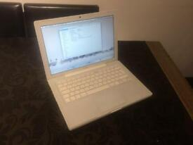 Apple MacBook a1181 (Intel core i2)