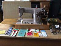 Classic Semi Industrial Singer 201K Sewing machine, Heavy Duty